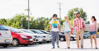 Fomento podría imponer multas a los usuarios y proveedores de servicios para compartir coche