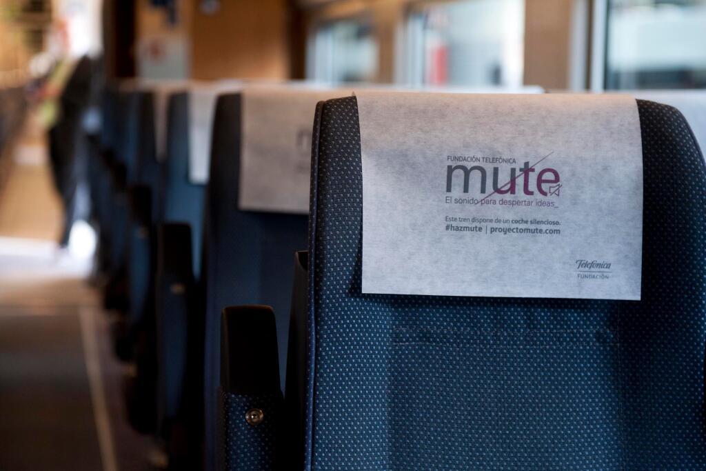 Tren AVE con modalidad para viajar en silencio.