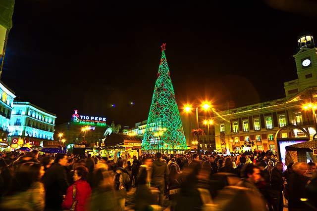 Viaja-en-AVE-y-disfruta-de-Madrid-en-Navidad
