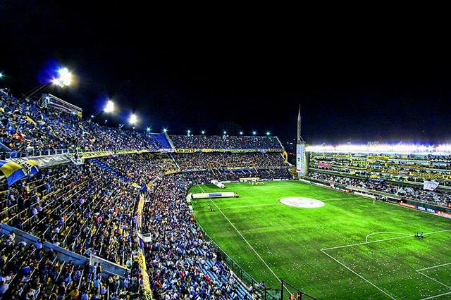 La bombonera, en Buenos AiresLos, uno de los mejores estadios de fútbol del mundo