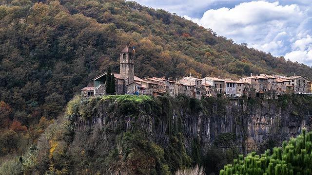 Castellfollit de la Roca en Girona