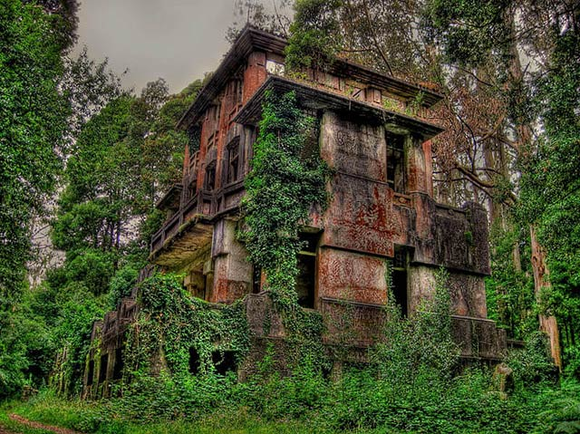 Lugares abandonados y espectaculares que no esperas encontrar en España