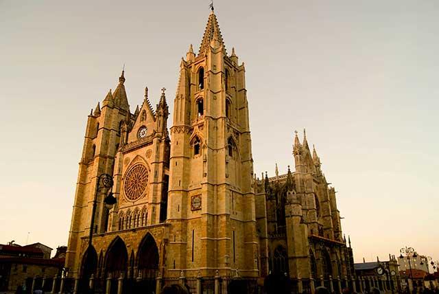 Qué hacer en tu viaje de fin de semana en el AVE Madrid-León