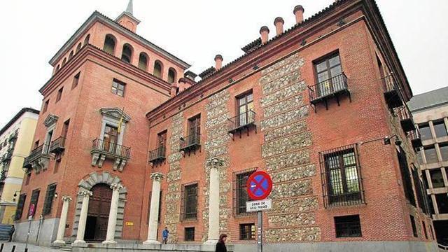 Casa de las Siete Chimeneas, Madrid